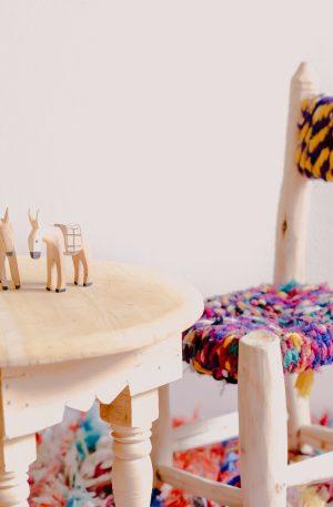 Tabourets et petites chaises